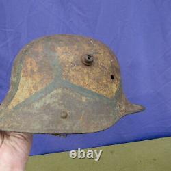 Orig WWI GERMAN 1917 Vivid Camo Painted Combat Trench Helmet