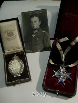 Pour le Merite and pilot badge WWI Juncker Leutnant medals rare air force badge