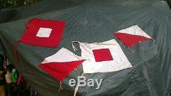 VINTAGE WWI WWII US ARMY USMC SOLDIERS FLAG KIT SIGNAL SEMAPHORE SET With CASE