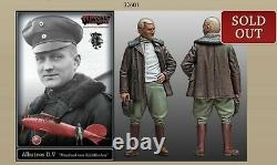 WINGNUT WINGS VON RICHTHOFEN RED BARON ALBATROS D. V 1/32 # 32601 With FIGURE MIB