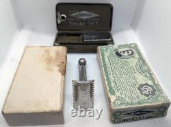 WW1 US Military Issue Property US Army 1918 Gillette Safety Razor Khaki Set With